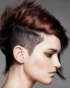 peinados-de-mujer-pelo-corto-punk-rojo