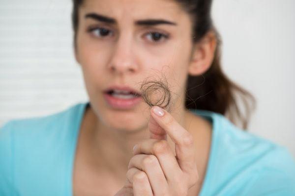 Como podemos evitar la caida del cabello