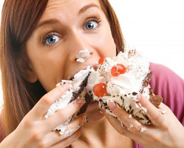 preocupacion-frecuente-atraso-en-la-menstruacion-comer-de-mas