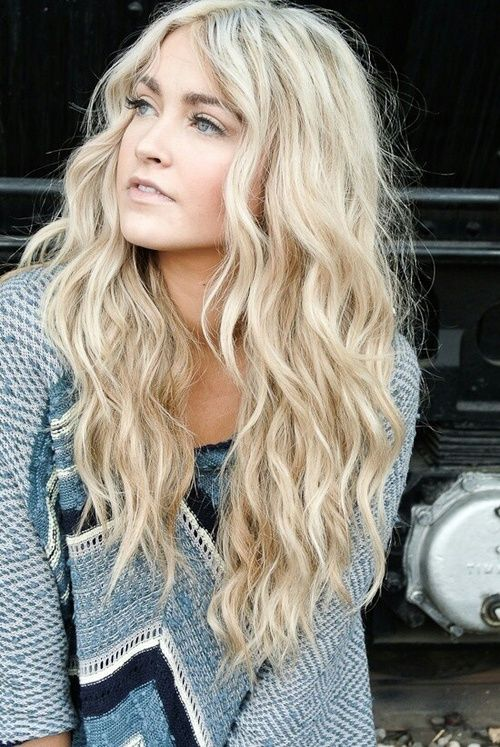 cortes-de-pelo-largo-ondulado-raya-en-medio