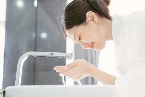 Errores lavarse la cara temperatura agua