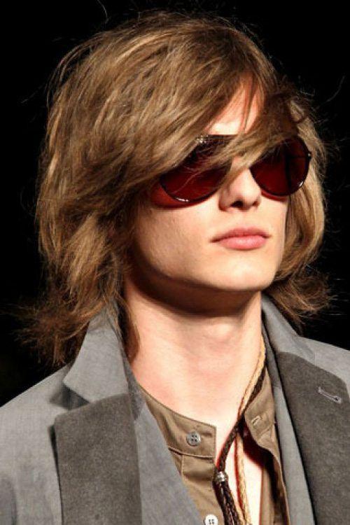 peinados-hombre-pelo-largo-medio