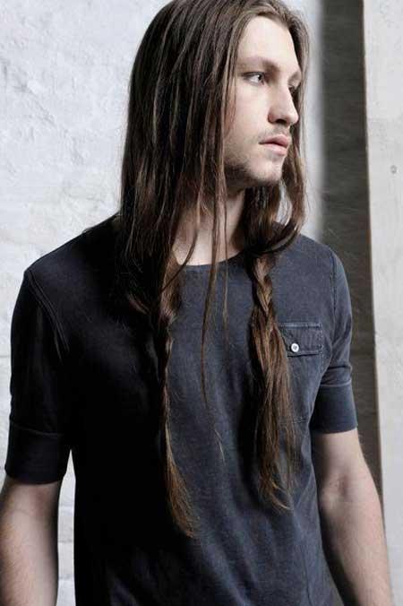 peinados-hombre-pelo-largo-trenzas