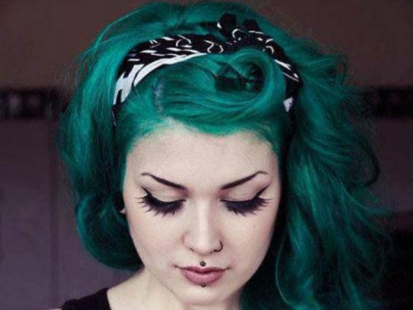 peinados-pin-up-azul-cinta-roja