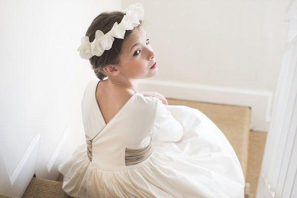 vestidos-de-comunion-diferentes-teresa-leticia-espalda