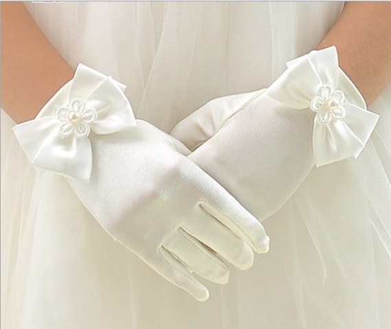 vestidos-de-comunion-nanos-guantes-raso-flor