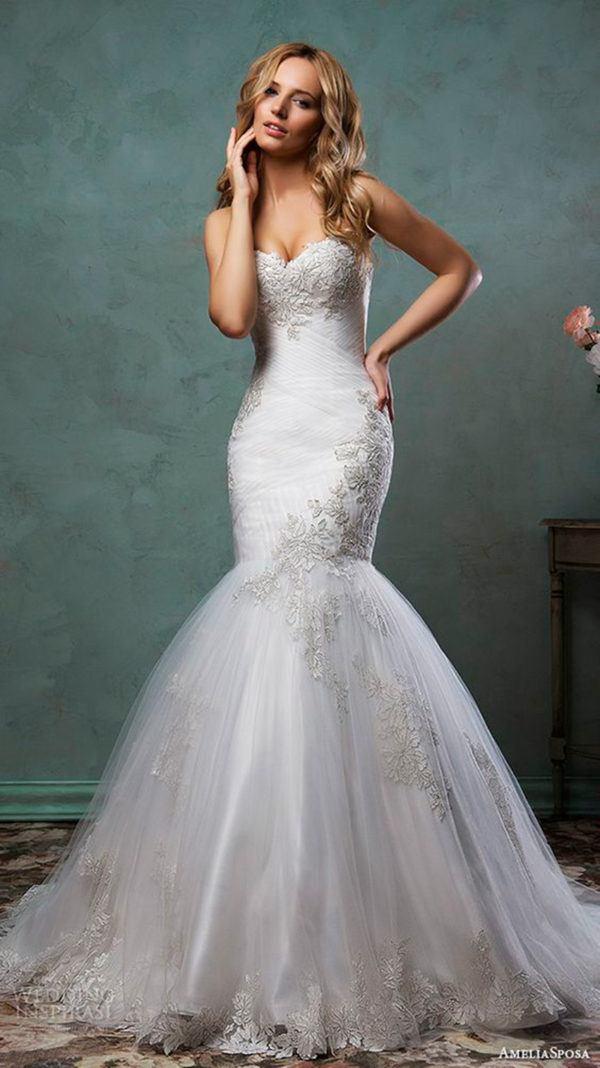 vestidos-de-novia-corte-sirena-color-bordado-escote-corazon
