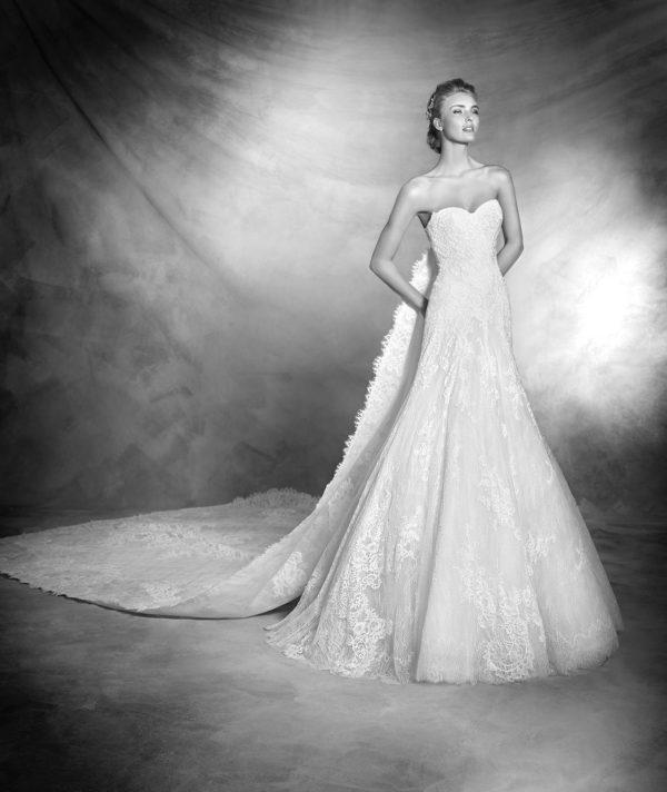 vestidos-de-novia-corte-sirena-pronovias-encaje-vanes