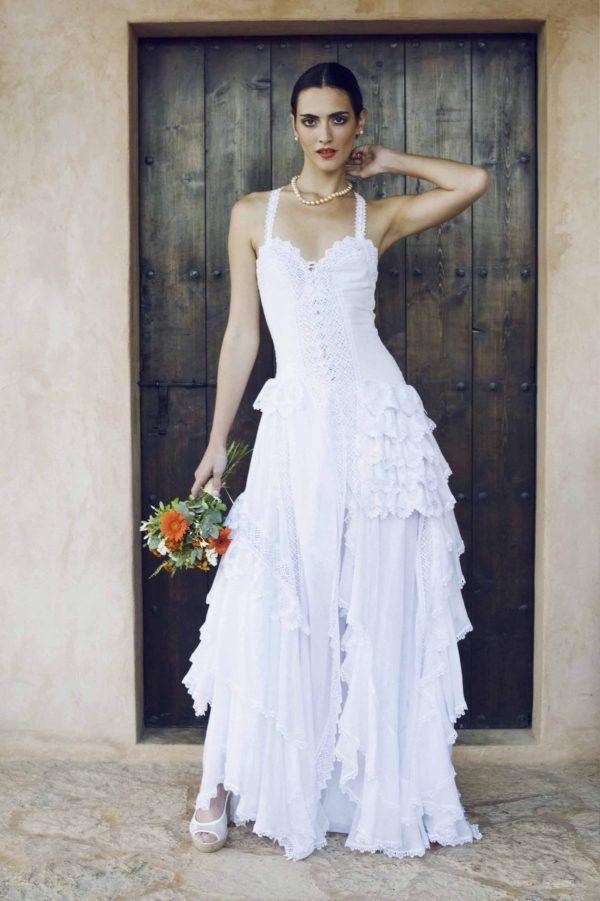 vestidos-de-novia-ibicencos-largo-charo-ruiz-pasarela