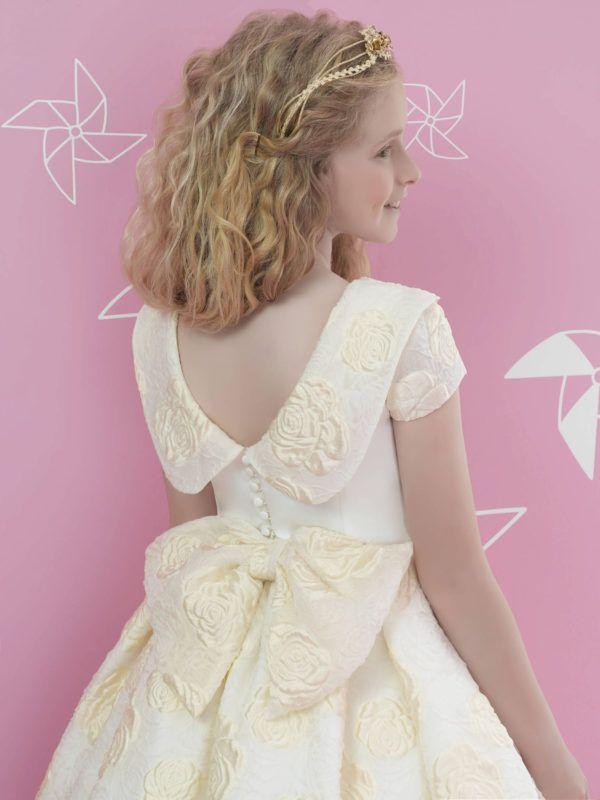 vestidos-de-comunion-diferentes-odisea-espalda