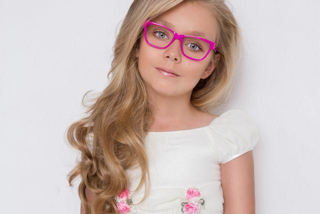 elegir-vestidos-de-primera-comunion-modernos-para-niñas