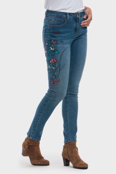 punto-roma-pantalon-tejano-bordado-floral
