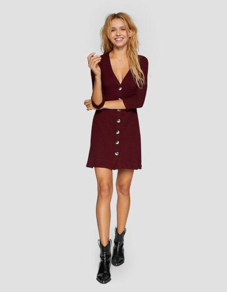 vestidos-stradivarius-cortos-corto-de-botones
