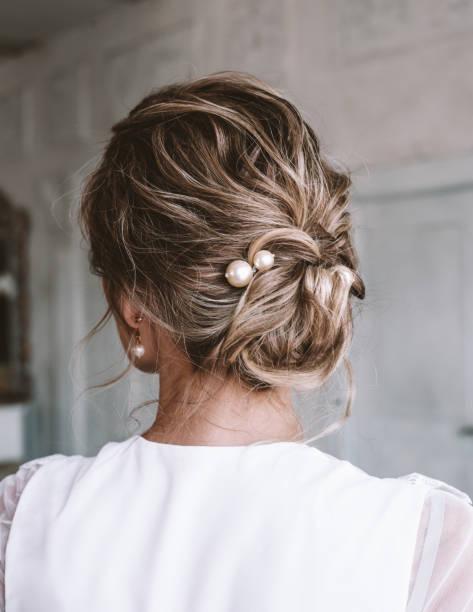 Aclarar el pelo con reflejos rubios en un pelo castano 3
