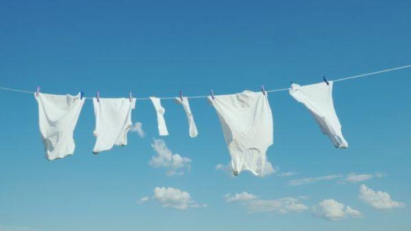 como-limpiar-la-ropa-blanca-istock4
