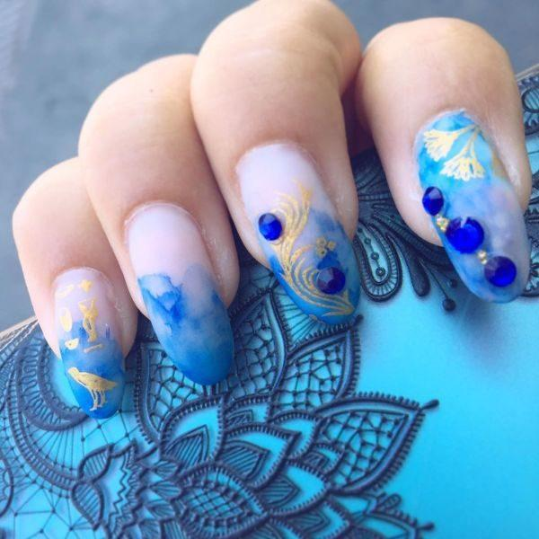 unas-decoradas-azules-adornos-instagram