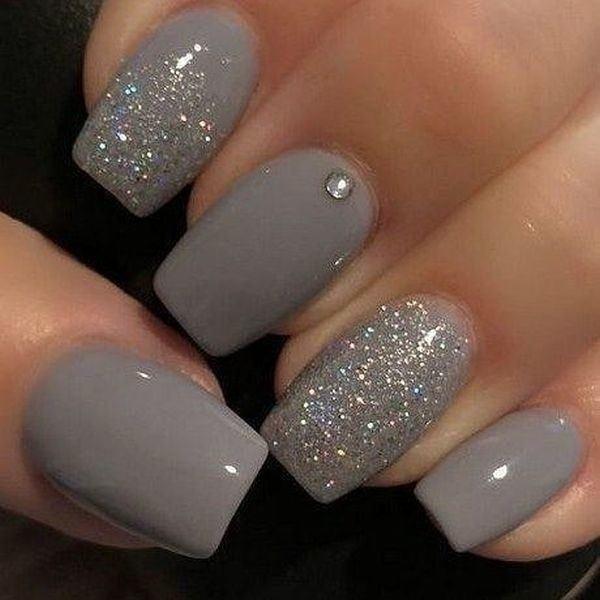 unas-decoradas-grises-adornos-instagram