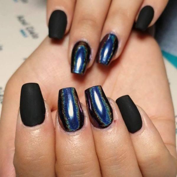 unas-decoradas-negras-adorno-azul-instagram