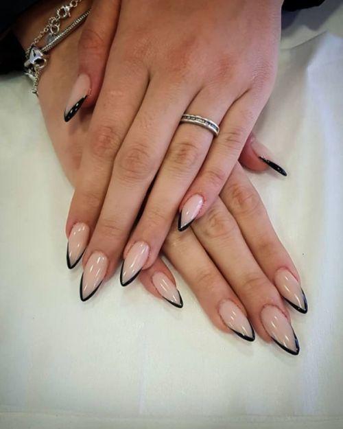 unas-decoradas-stiletto-pastel-borde-negro-instagram