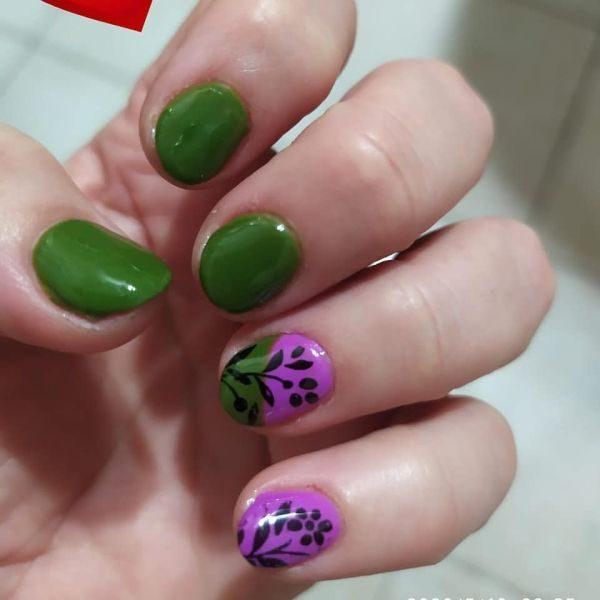unas-decoradas-verdes-moradas-instagram