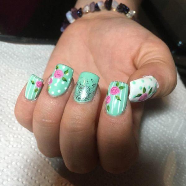 unas-decoradas-vintage-turquesa-flores-instagram