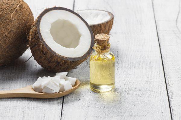 Coco y aceite esencial