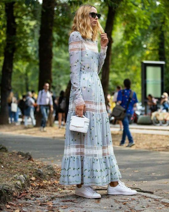 Vestido largo celeste, low fashion con zapatilla