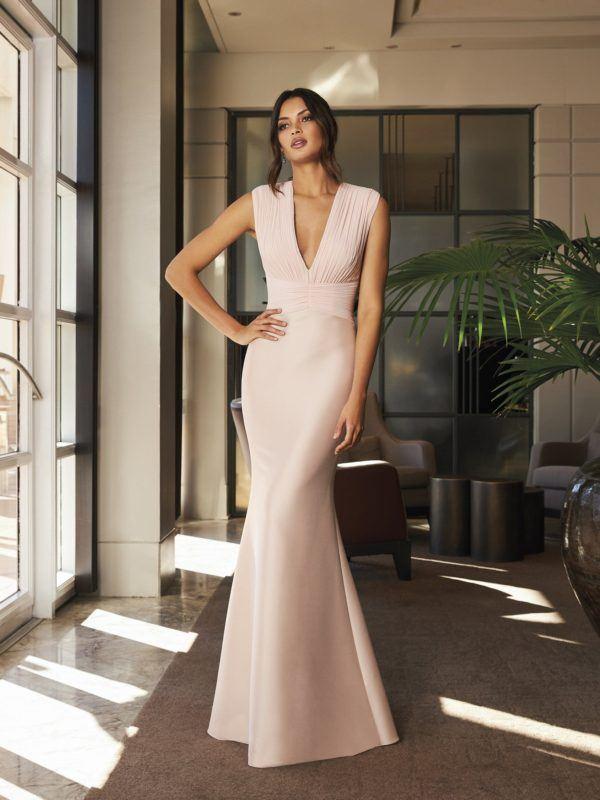 Vestidos de dama de honor largo pronovias color neutro
