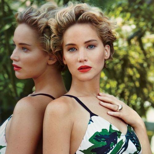 Jennifer Lawrence pelo corto puntas marcadas