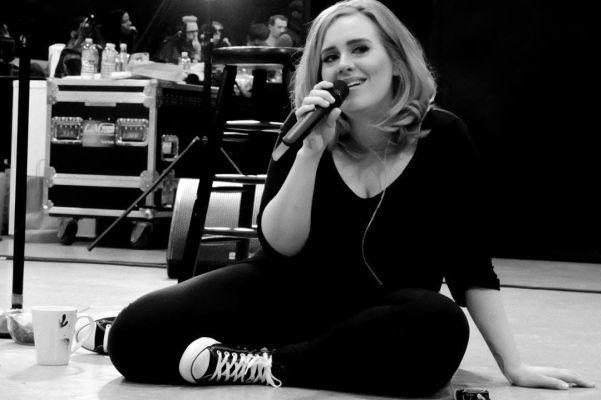 Adele media melena a capas