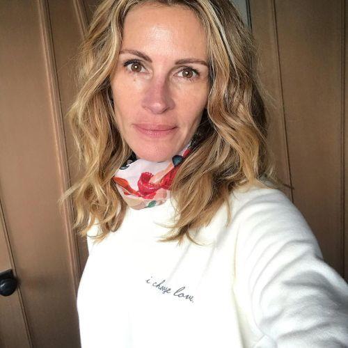 Julia Roberts corte de pelo a capas y mechas balayage + de 50