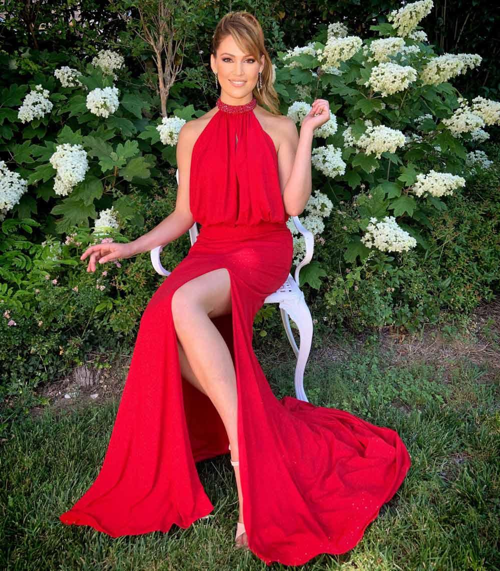 vestido rojo de sirena con abertura