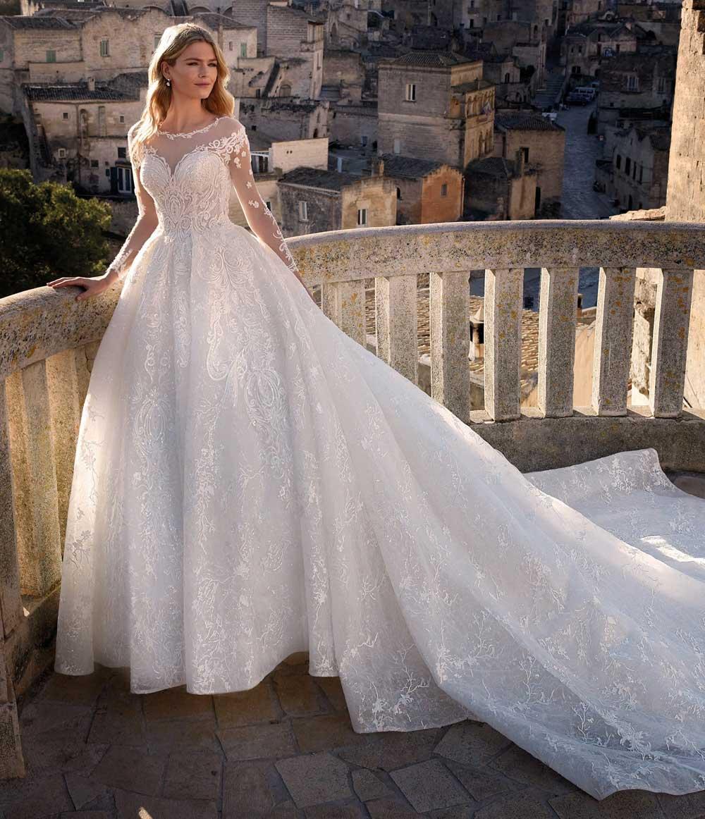 Vestido de novia Nicole con cola