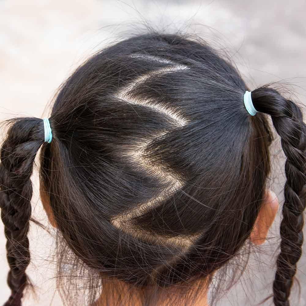 Peinado niña pelo medio