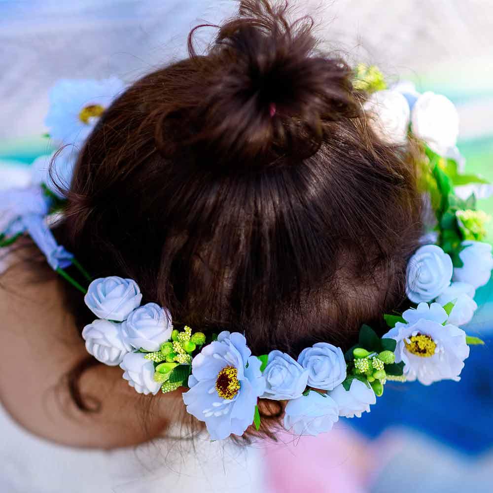 Peinados de niña con tiarachignon