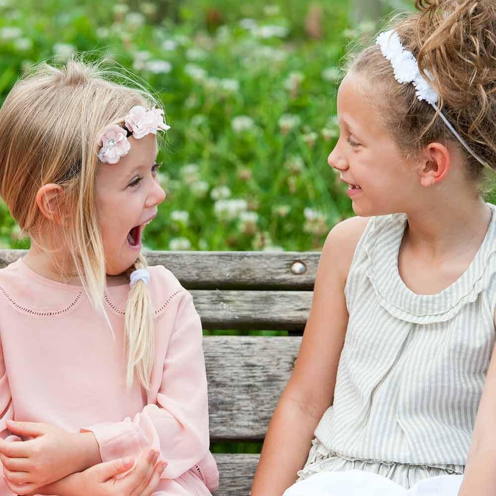Peinados para niñas con tiara