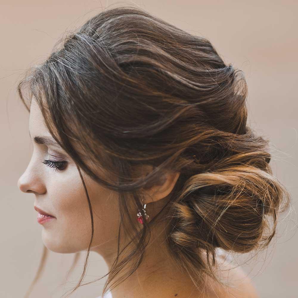 Peinado romántico y suave para cabello largo