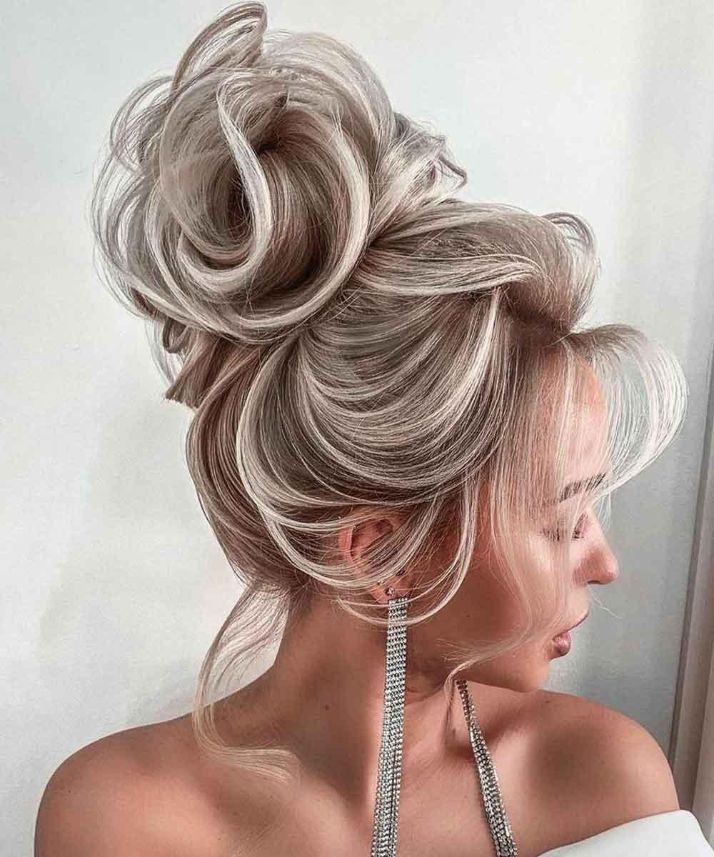 Peinados de pelo largo con rosa
