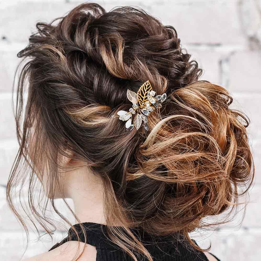 Ceremonia de peinados de pelo largo