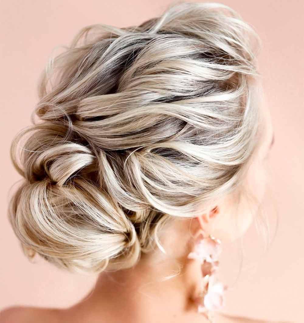 Peinados para pelo rizado fáciles y rápidos