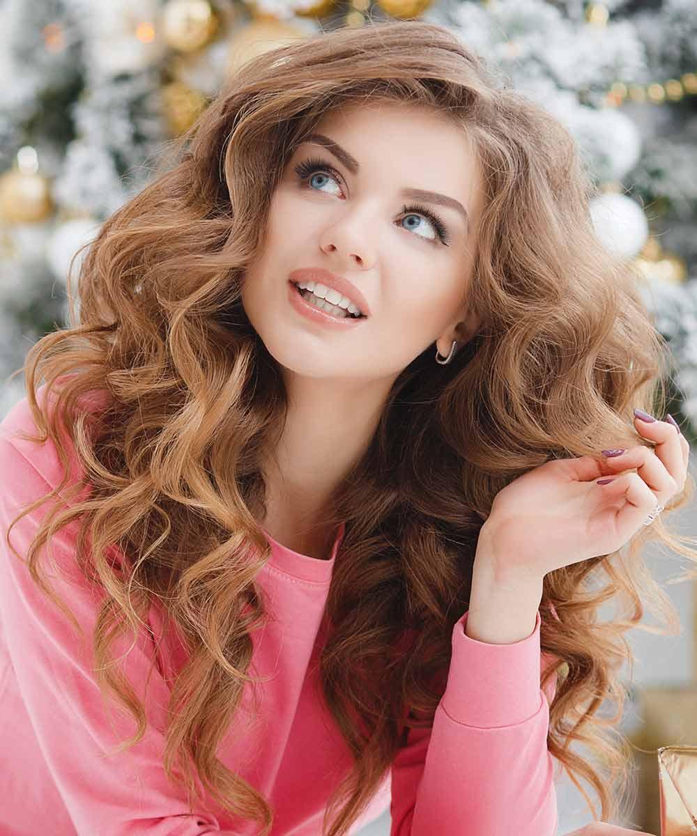 Peinados de Navidad rizos de pelo ondulado