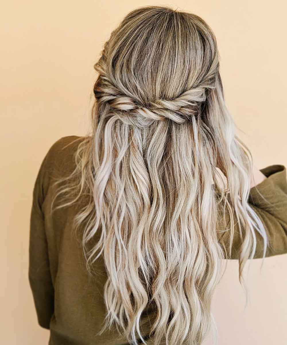 Peinados con media trenza verano 2021