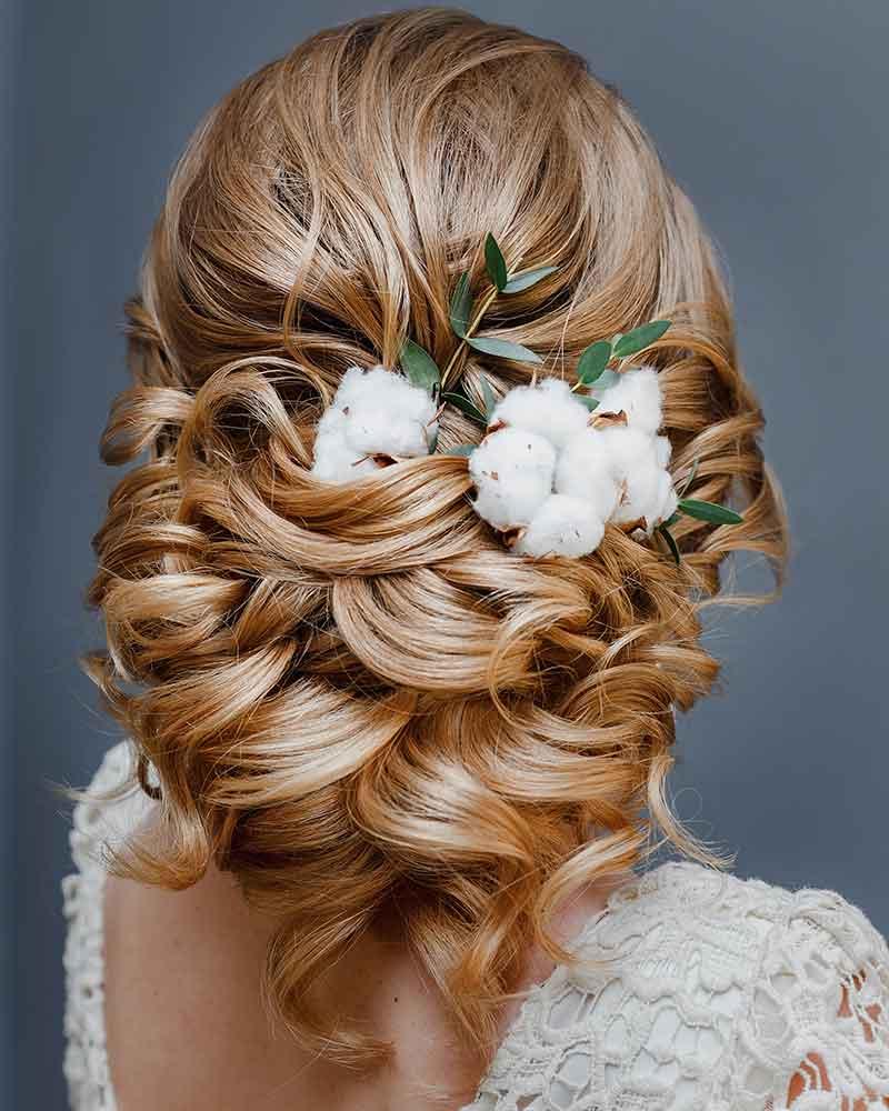Peinado de novia con flores