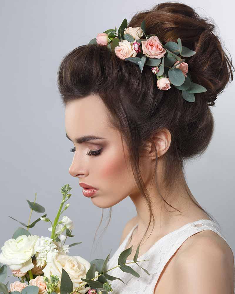Peinados de flores para novias