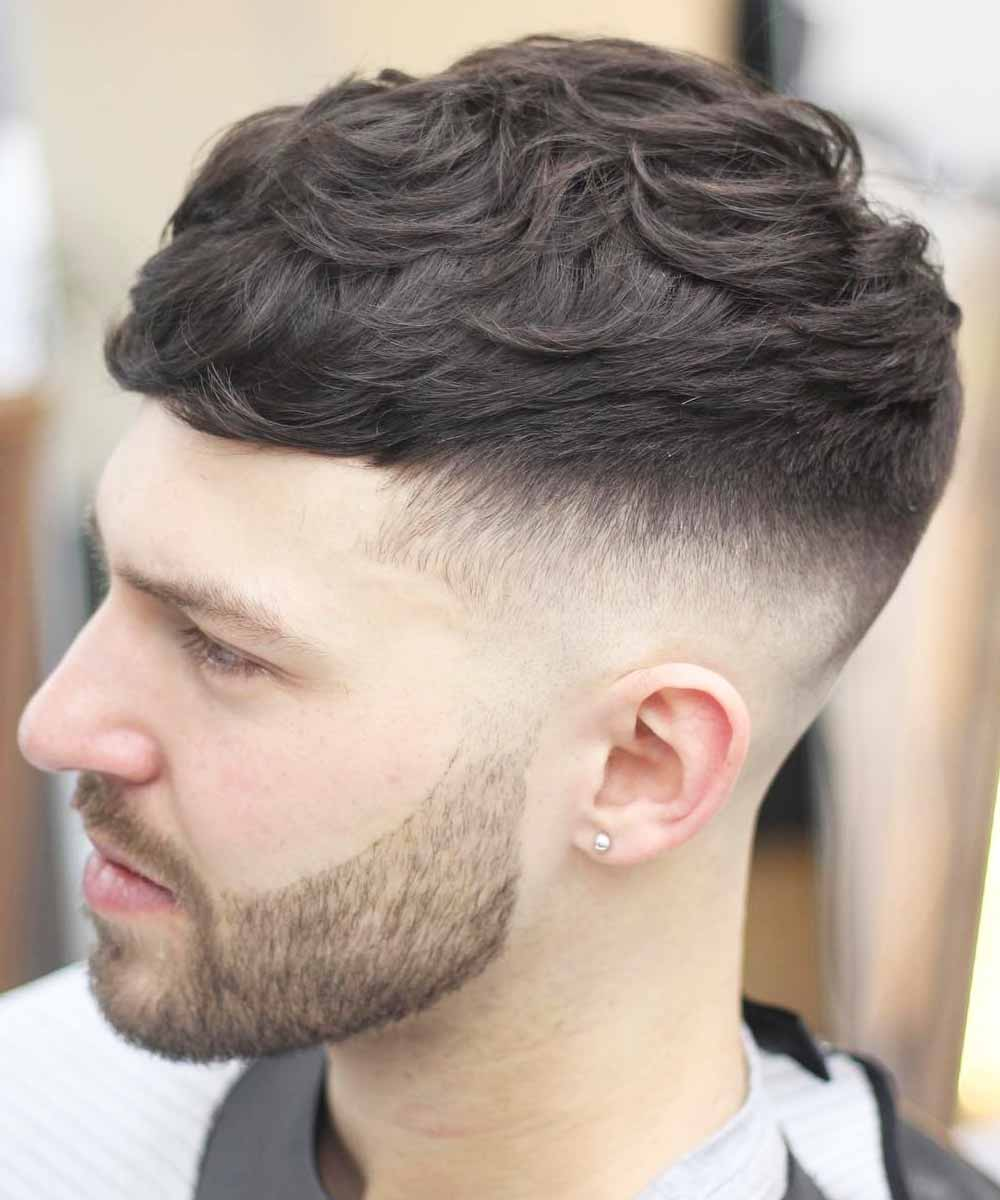 Cortes de pelo corto ondulado hombre