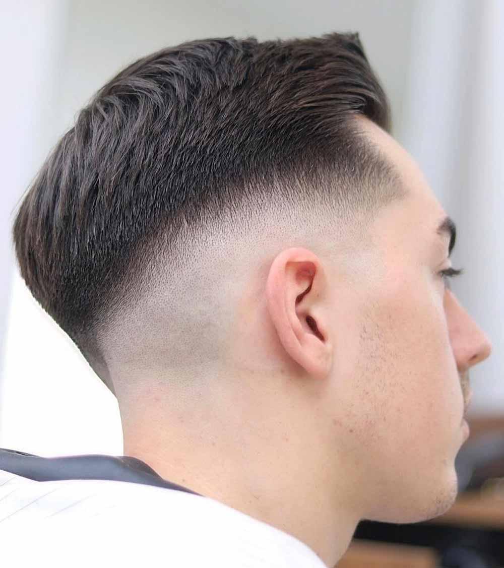 Cortes de pelo rectos afeitados hombre