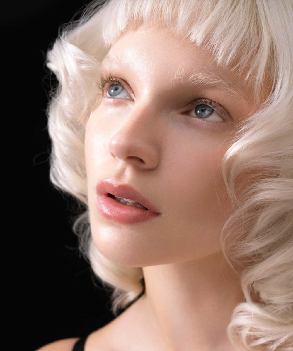 Cabello blanco perla invierno 2020