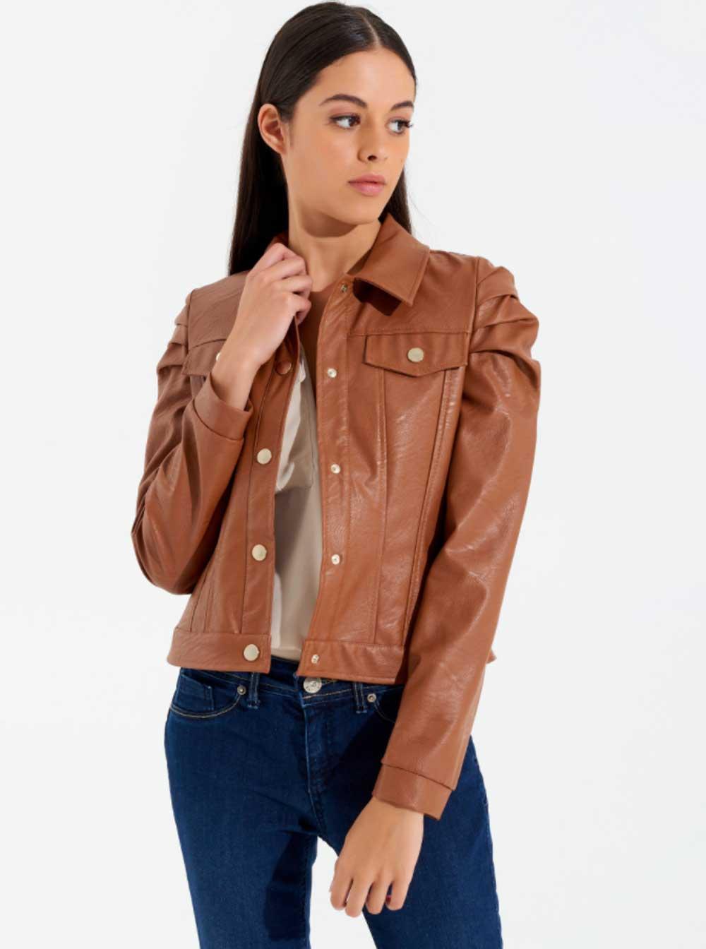 Color marrón cálido moda invierno 2021