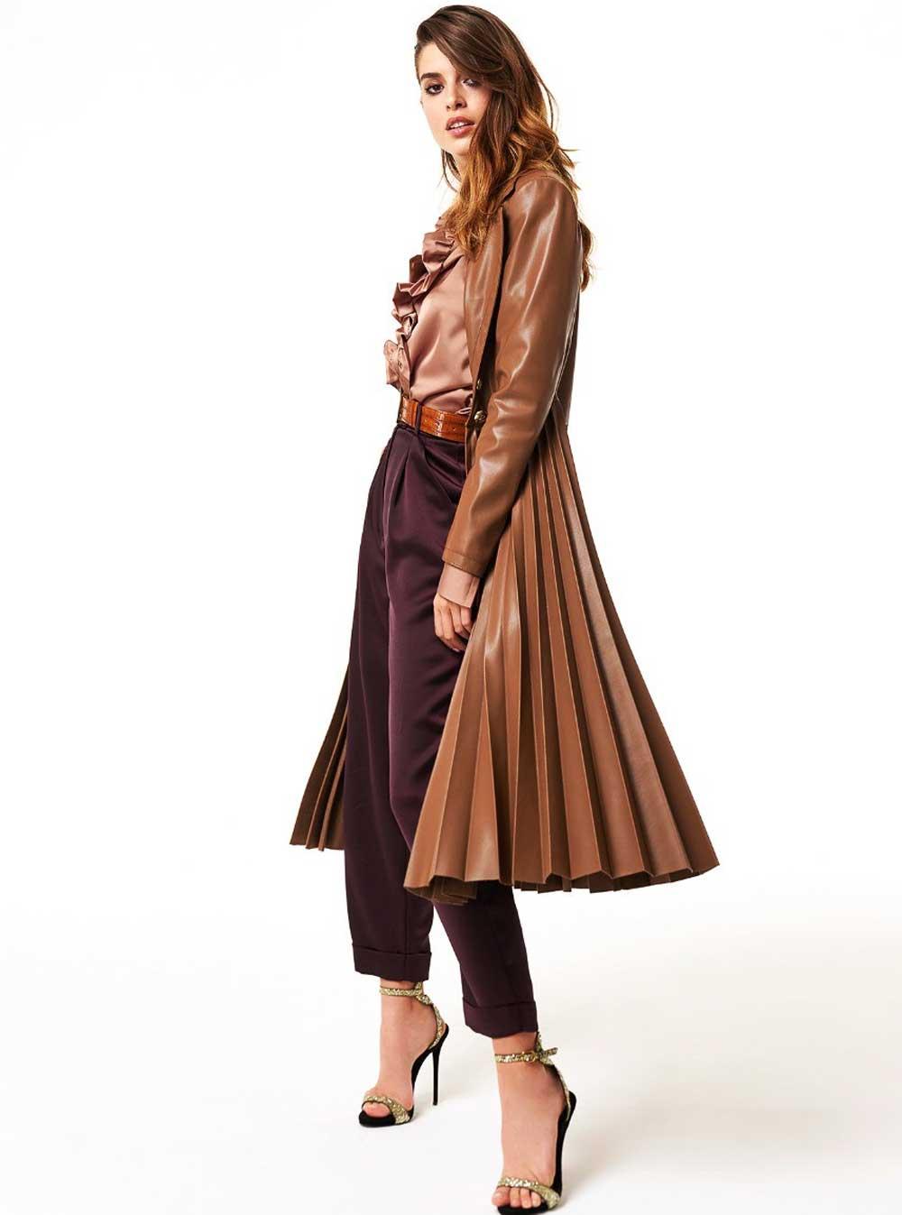 Denny Rose abrigo marrón oscuro