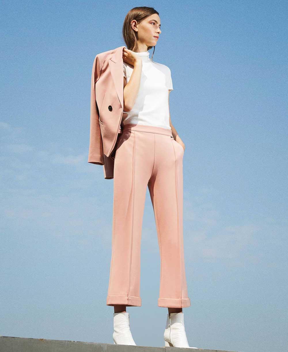 Color de moda rosa antiguo invierno 2020